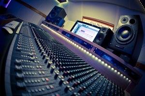 triomni studios